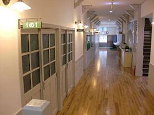 施設 1階廊下