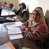 利益の一部は地元女性達の教育に還元