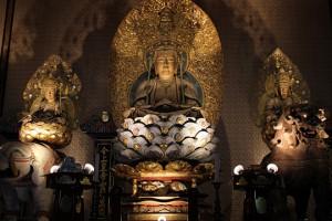 国重要文化財のご本尊の釈迦三尊像