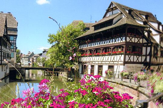 ユネスコ世界遺産登録のストラスプール旧市街プチ・フランス地区