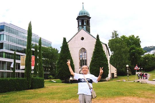 教会の左側がバーデン・バーデンのSPA