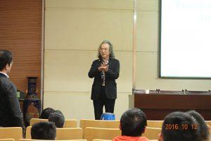 中国の大学での講演
