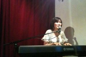 古河琴子さんピアノ弾き語り