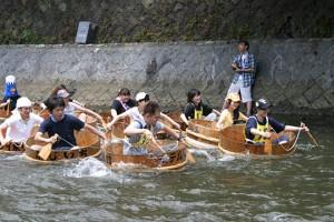 松川タライ乗り競走